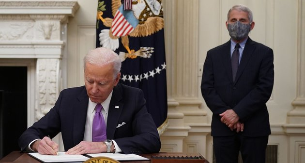 EuropaPress_3529723_21_january_2021_us_washington_us_president_joe_biden_signs_executive_orders