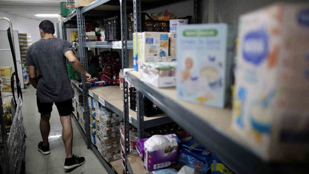 Voluntario nun banco de alimentos (Eduardo Parra / Europa Press).