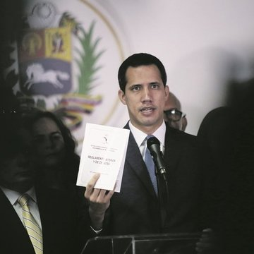 HANDOUT - 06 January 2020, Venezuela, Caracas: Venezuelan opposition leader and self-appointed interim president Juan Guaido speaks at a press conference. The Venezuelan parliament has split into two competing bodies after lawmaker Luis Parra was sworn-in as Venezuela's National Assembly president. Photo: Rafael Hernandez/ntn24/dpa - ACHTUNG: Nur zur redaktionellen Verwendung im Zusammenhang mit der aktuellen Berichterstattung und nur mit vollständiger Nennung des vorstehenden Credits ONLY FOR USE IN SPAIN  HANDOUT - 06 January 2020, Venezuela, Caracas: Venezuelan opposition leader and self-appointed interim president Juan Guaido speaks at a press conference. The Venezuelan parliament has split into two competing bodies after lawmaker Luis Parra was sworn-in as Venezuela's National Assembly president. Photo: Rafael Hernandez/ntn24/dpa - ACHTUNG: Nur zur redaktionellen Verwendung im Zusammenhang mit der aktuellen Berichterstattung und nur mit vollständiger Nennung des vorstehenden Credits  1/6/2020 ONLY FOR USE IN SPAIN