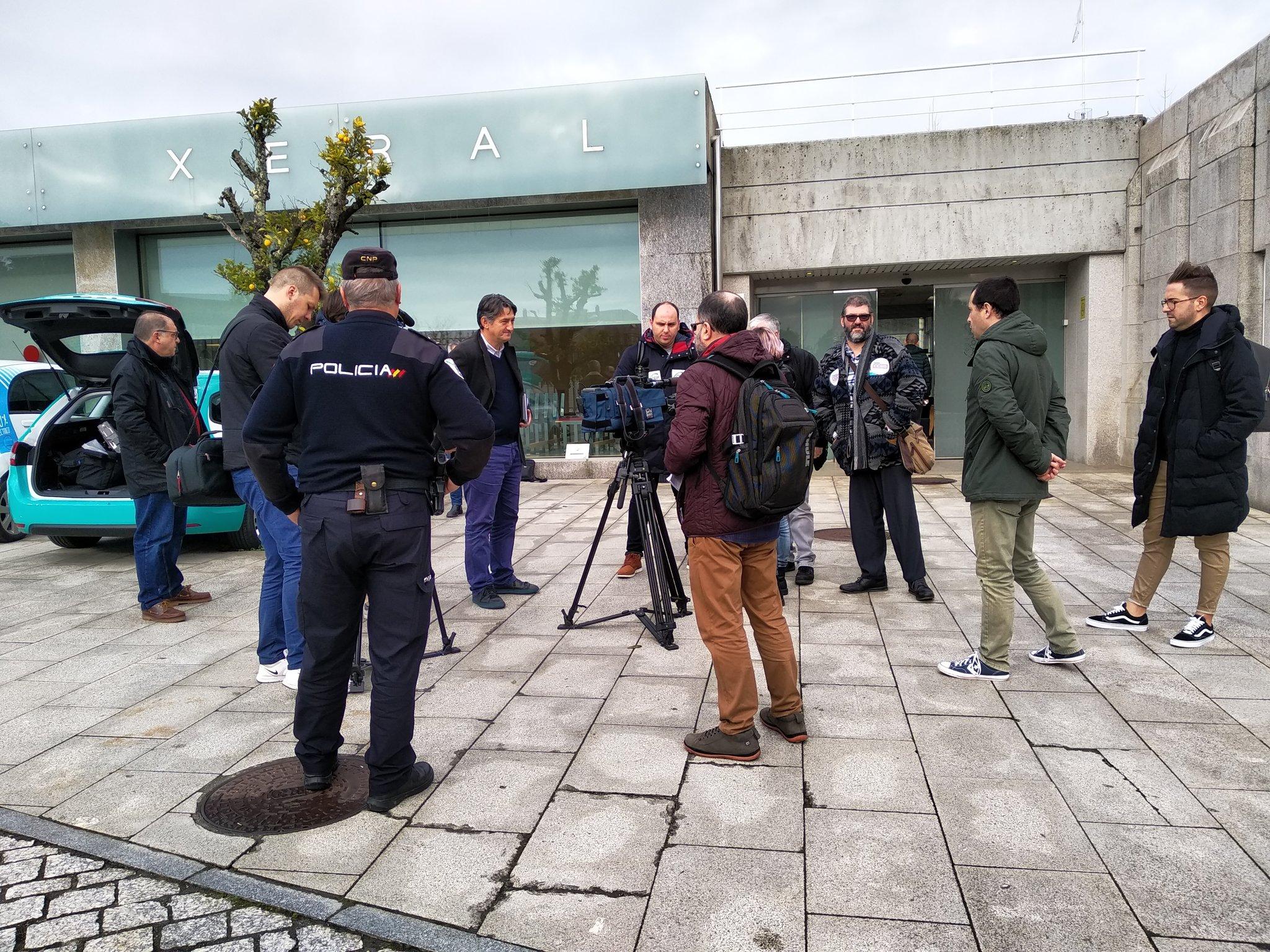 Os medios non puideron gravar a entrega do escrito no rexistro da Xunta (CIG-Ensino)