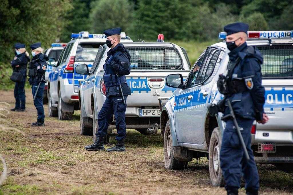 A fronteira entre Polonia e Bielorrusia cóbrase a morte de catro inmigrantes